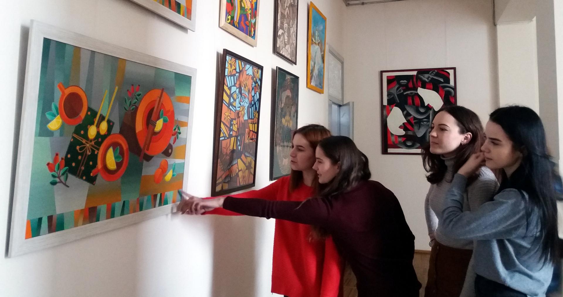 Звітна виставка дипломів та курсових робіт